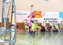 """<a href=""""/actualites/basket-ball-lequipe-saint-bruno-de-bordeaux-triomphe-chez-les-veterans"""" class=""""active"""">Basket-Ball : L&#039;équipe Saint-Bruno de Bordeaux triomphe chez les vétérans</a><div class=""""smartphoto_back_link""""><a href=""""/multimedia"""">Retour aux albums</a></div><div class=""""smartphoto_date_album"""">Album publié le 20/06/2019</div>"""