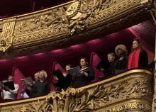 """<a href=""""/actualites/la-chorale-les-voix-du-coeur-ovationnee-lopera-garnier"""">La chorale Les voix du cœur ovationnée à l'Opéra Garnier</a><div class=""""smartphoto_back_link""""><a href=""""/multimedia"""">Retour aux albums</a></div><div class=""""smartphoto_date_album"""">Album publié le 15/01/2020</div>"""