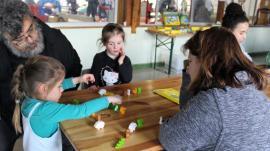 Les enfants (et les adultes !) en pleine activité