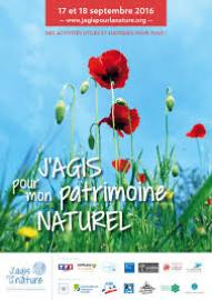 affiche des journées du patrimoine naturel : herbe, fleurs et coquelicots sur fond de ciel bleu