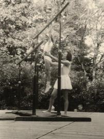 Gymnaste femme avec entraineur