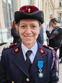 Portrait de Karine Charvet, juge de gymnastique féminine et chevalier de l'ordre du Mérite