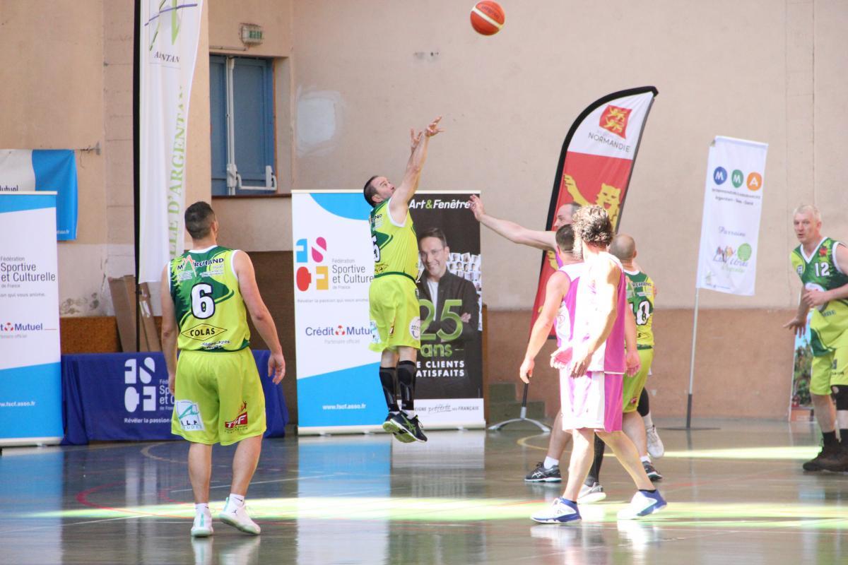 Basket Ball Léquipe Saint Bruno De Bordeaux Triomphe Chez Les